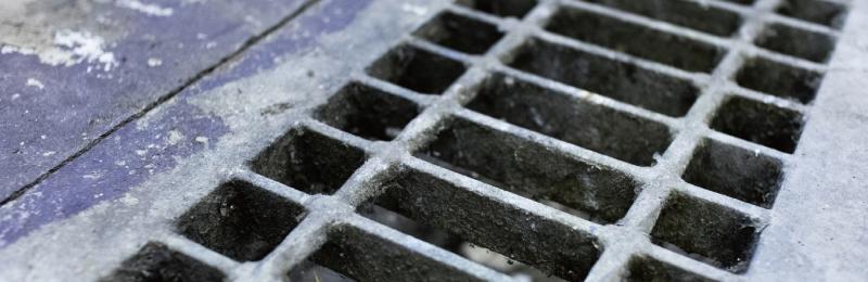清掃しにくいグレイチングや排水溝の清掃へのおすすめブラシ解説